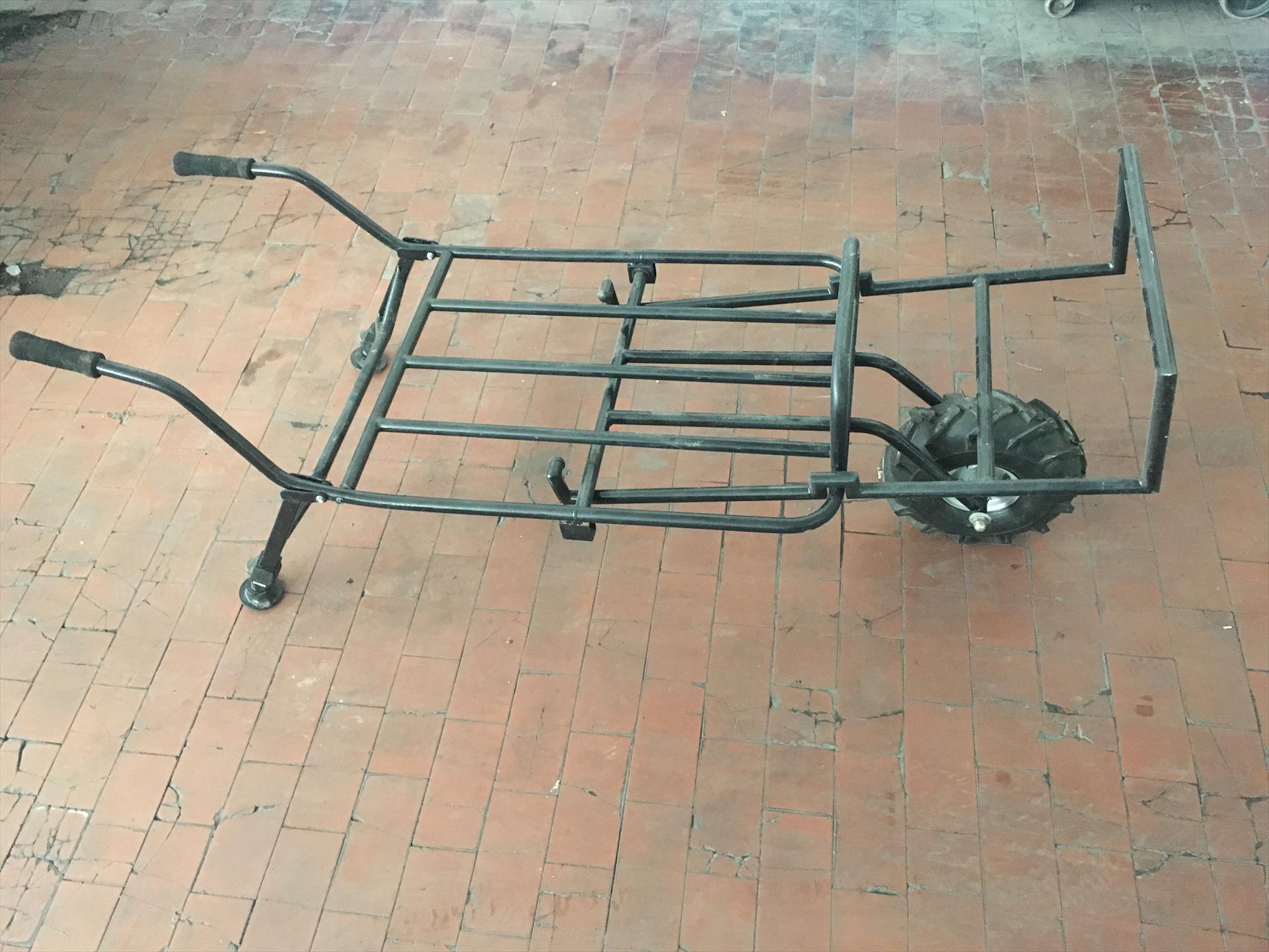 Carrello porta attrezzatura carpmercatino for Carrello porta ombrellone e sdraio