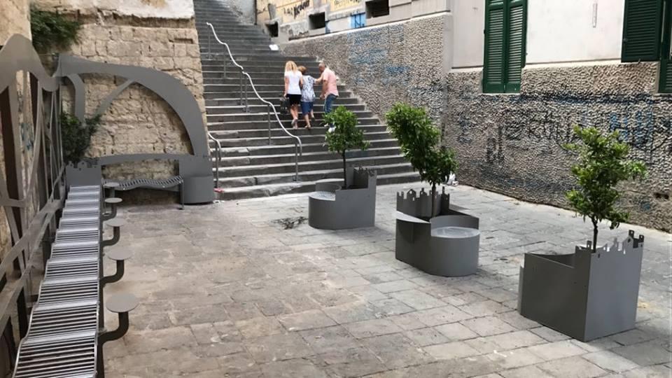 Napoli arredo urbano for Arredo urbano roma